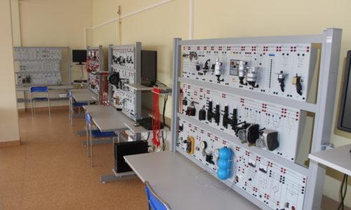 Pracownia mechatroniki i elektroniki pojazdów samochodowych